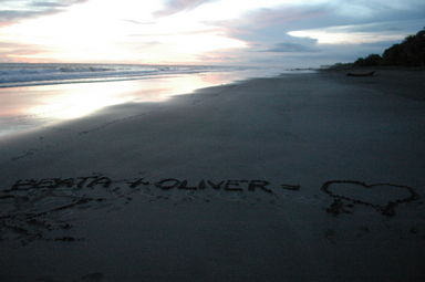 """Beata + Oliver = [heart]; Playa Junquillal"